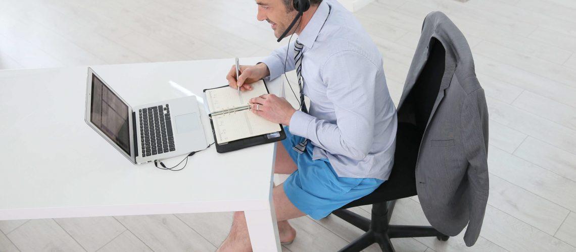 Qu'est-ce qui est permis en matière de Tenue vestimentaire au bureau ?